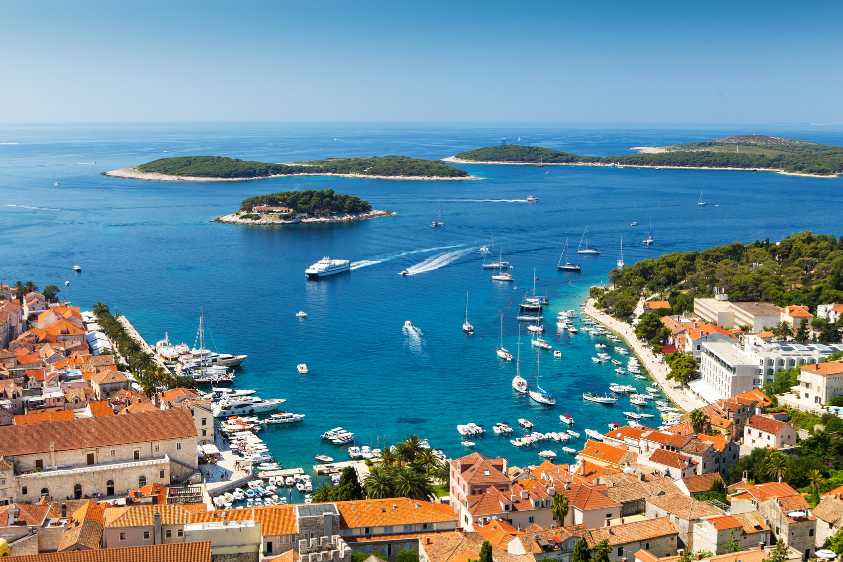 Power Boats Charter - yachting destination Hvar