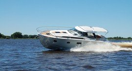Power boats Charter benefits